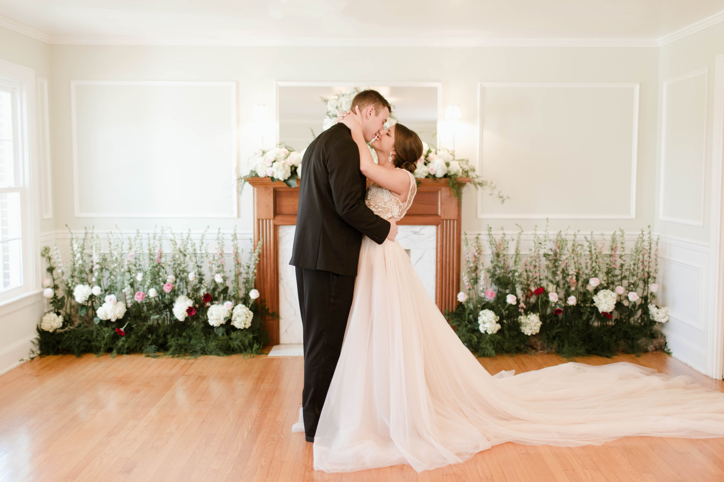 Morgan Franklin Creative Nashville, TN Wedding Photographer
