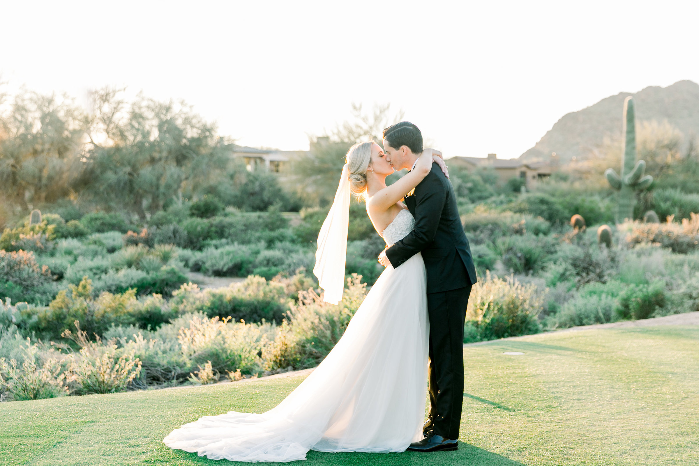 Karlie Colleen Photography - Arizona Wedding at The Troon Scottsdale Country Club - Paige & Shane -661