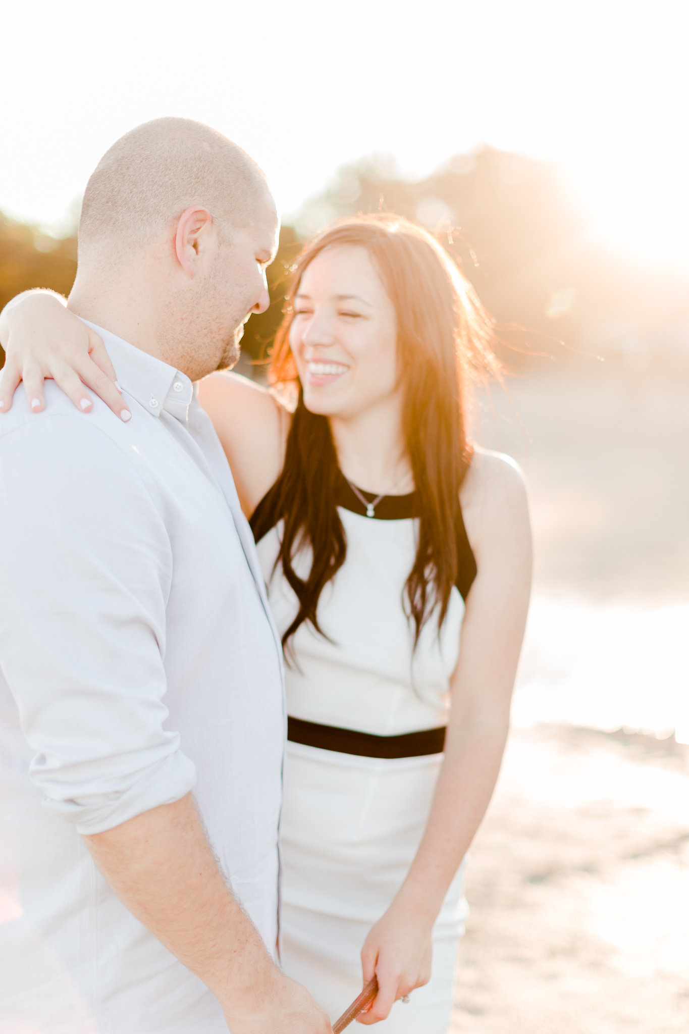 photographe-fiancailles-montreal-parc-national-oka-lisa-renault-photographie-beach-engagement-session-29