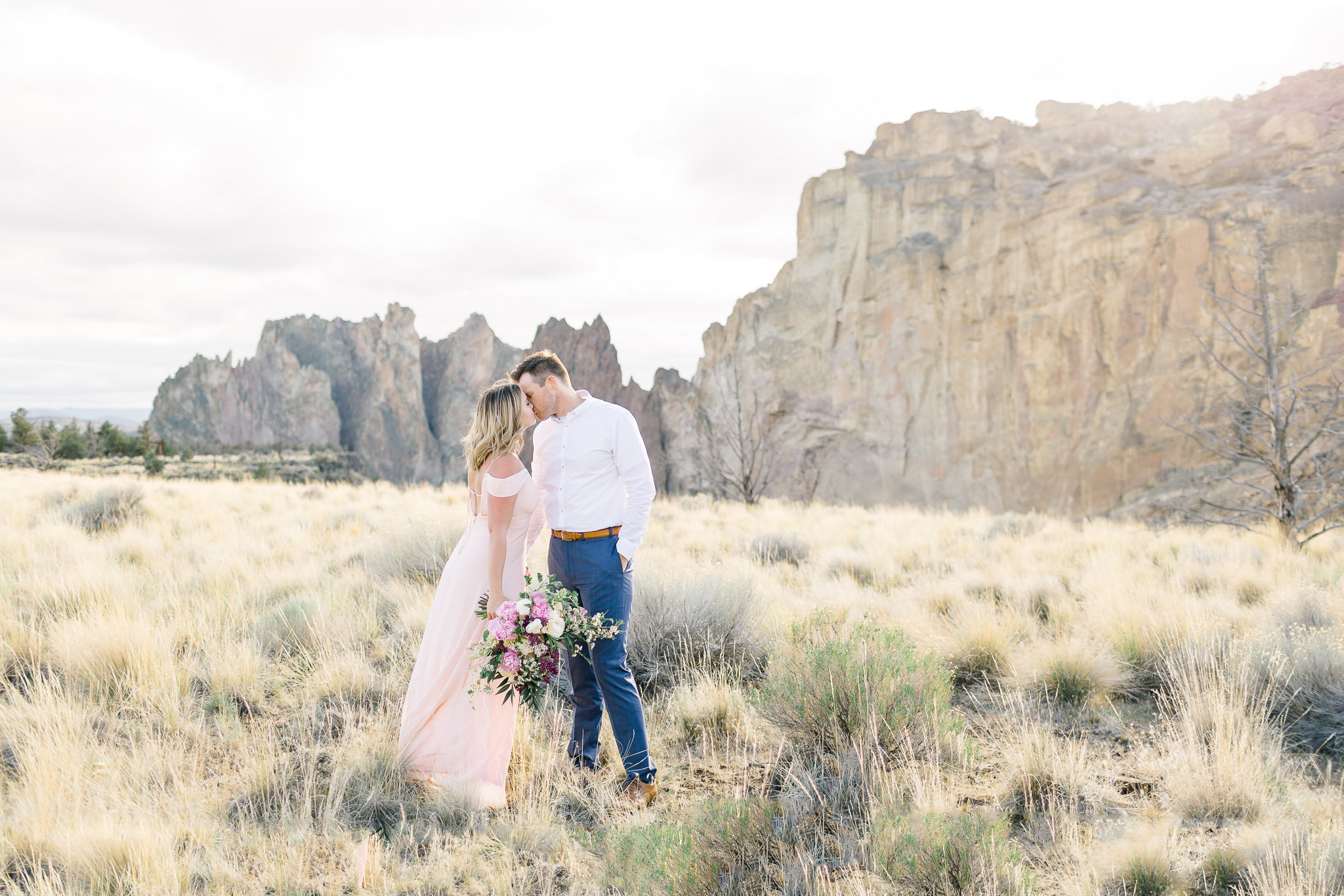 photographe-seance-anniversaire-de-mariage-smith-rock-state-park-oregon-lisa-renault-photographie-wedding-anniversary-session-photographer-35