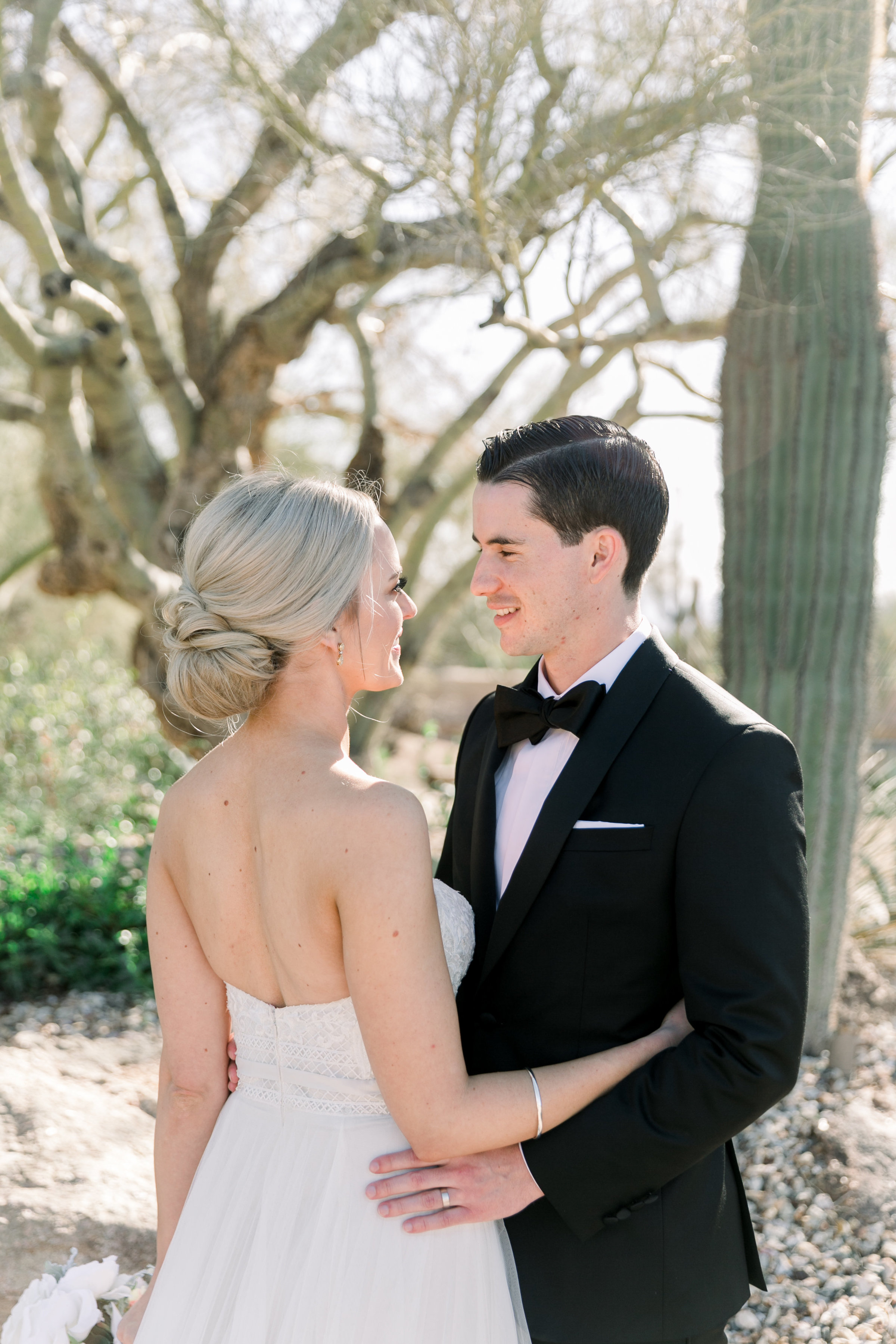 Karlie Colleen Photography - Arizona Wedding at The Troon Scottsdale Country Club - Paige & Shane -213
