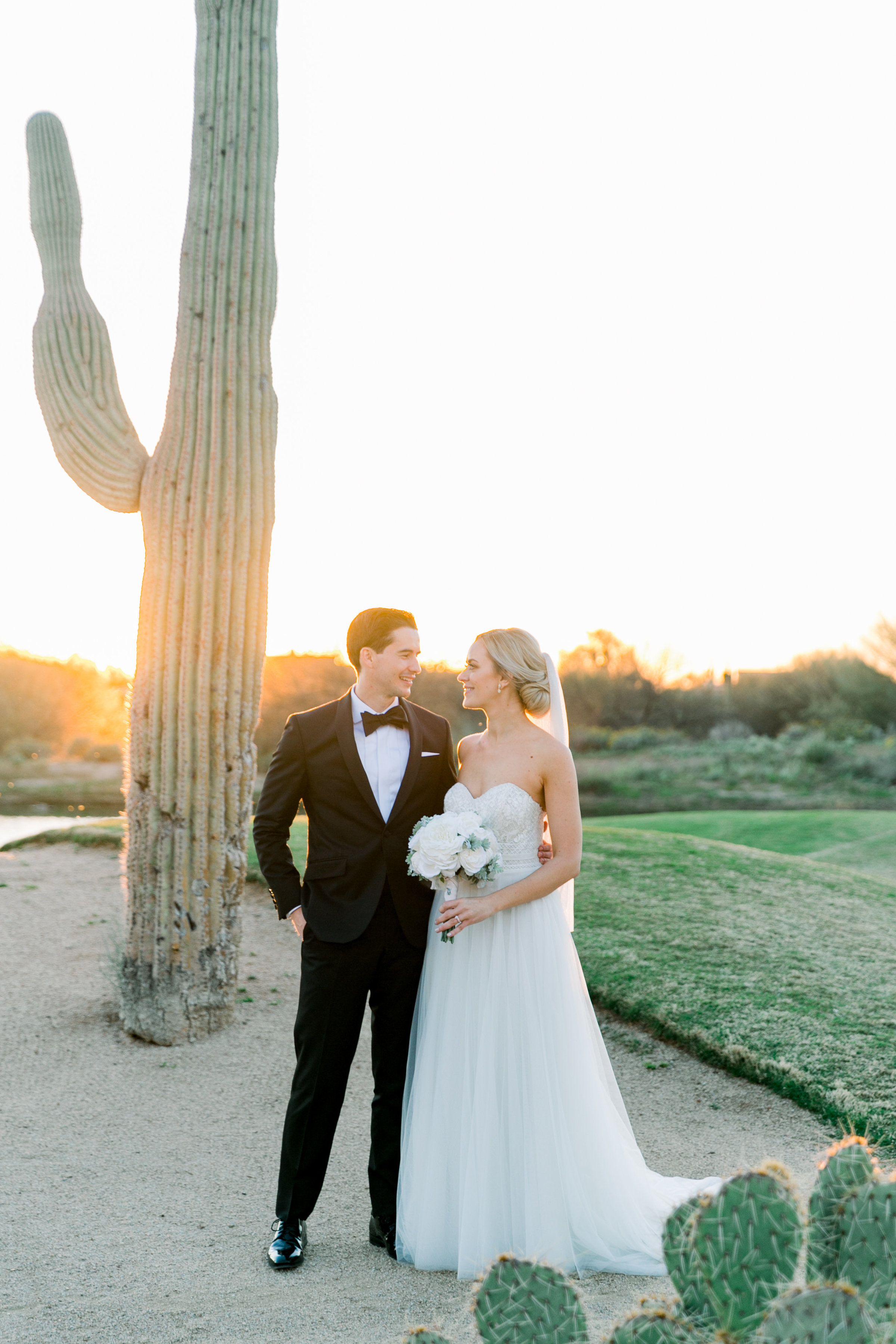 Karlie Colleen Photography - Arizona Wedding at The Troon Scottsdale Country Club - Paige & Shane -745