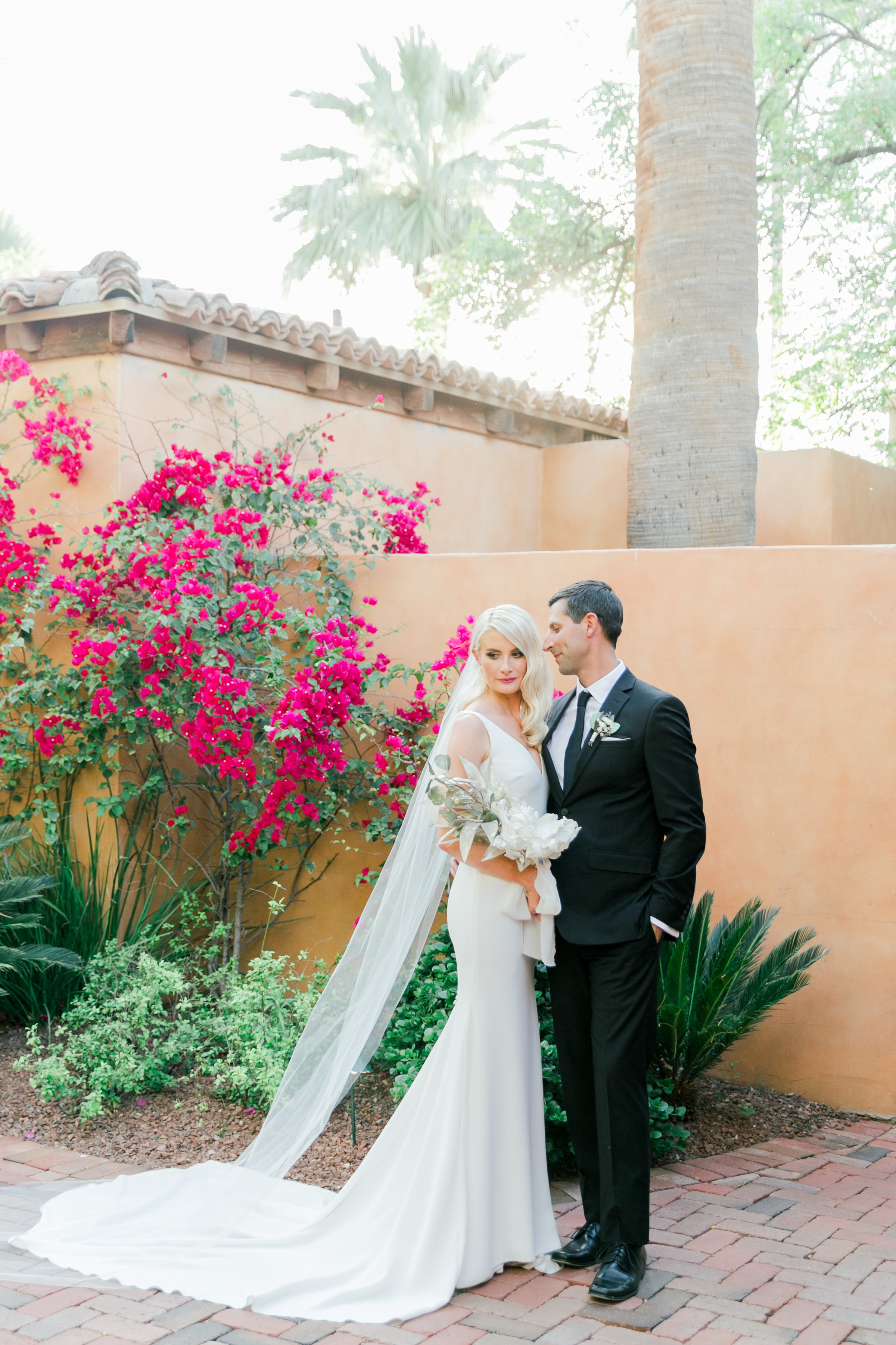 Karlie Colleen Photography - Arizona Wedding - Royal Palms Resort- Alex & Alex-112