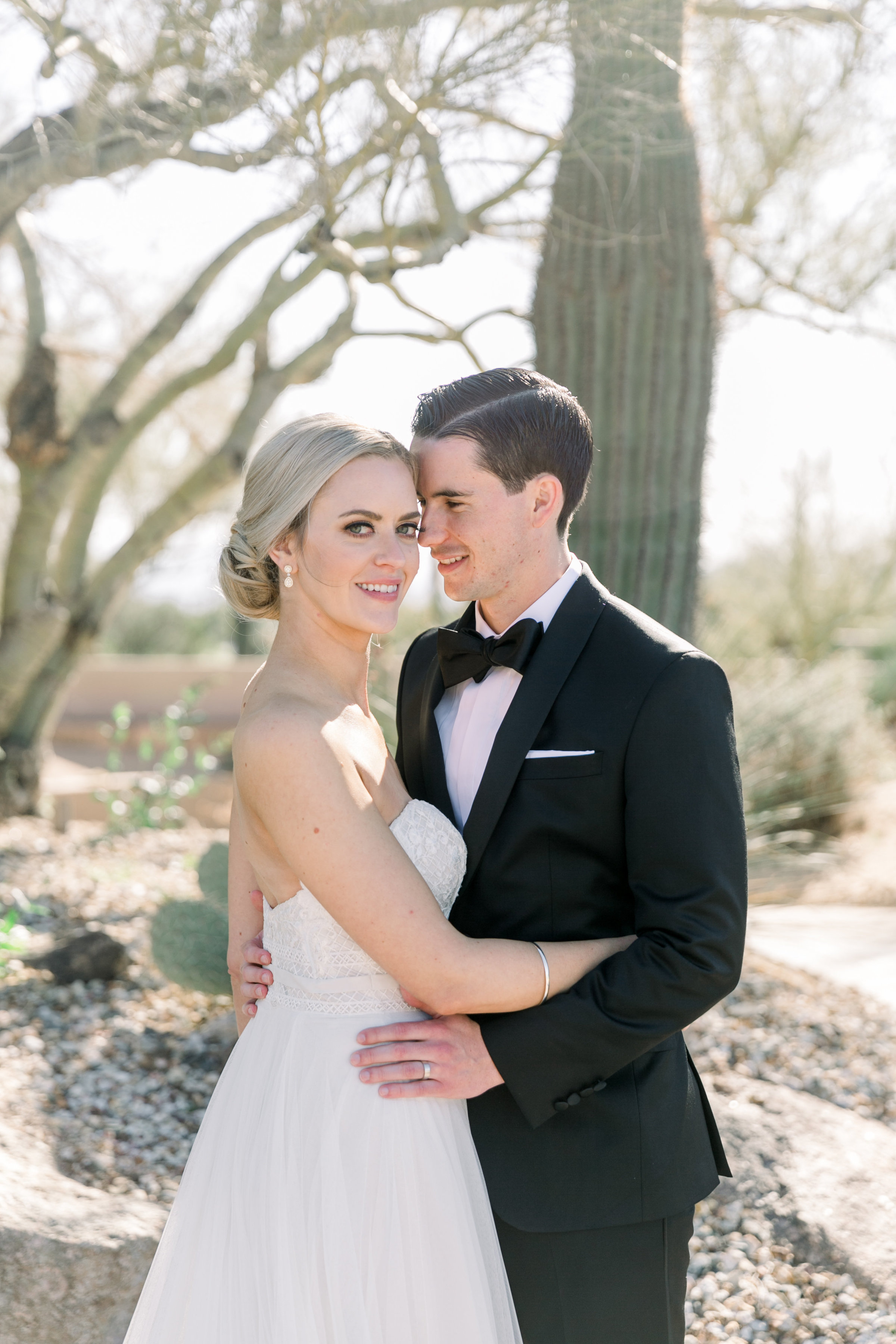 Karlie Colleen Photography - Arizona Wedding at The Troon Scottsdale Country Club - Paige & Shane -205