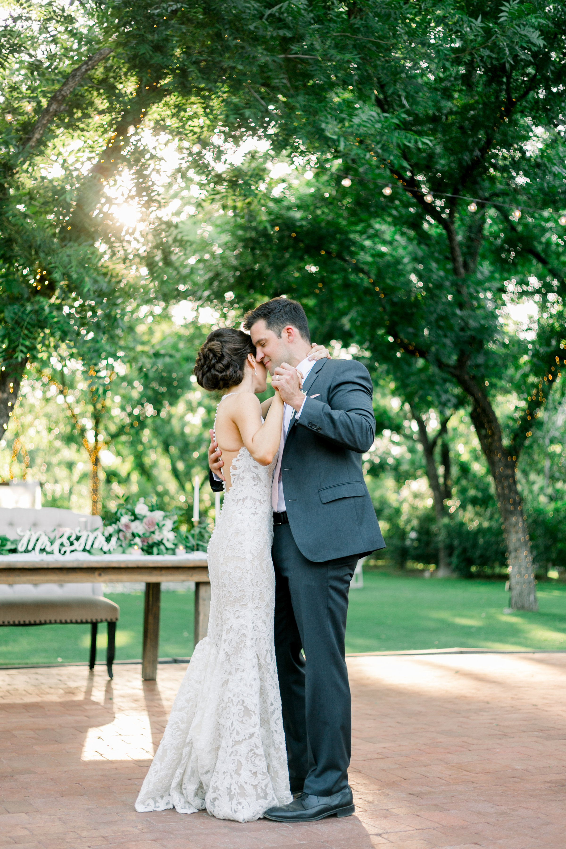 Karlie Colleen Photography - Venue At The Grove - Arizona Wedding - Maggie & Grant -101
