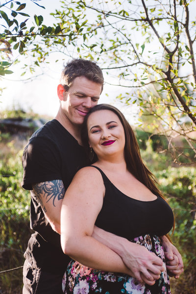 Cozy engagement  session at  beautiful Penticton B.C property