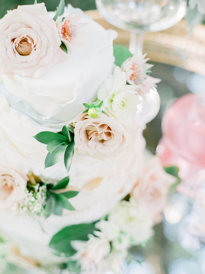 Nashville Sweets is a boutique bakery in Nashville with a focus on wedding cakes and desserts as beautiful as they are delicious.