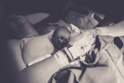 birth-bw-1061