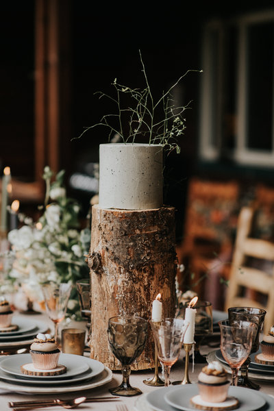 PNW Inspired Cabin Forest Elopement Wedding Planner Cake
