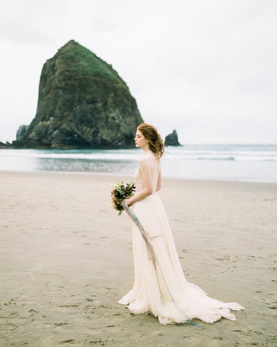 Cannon-Beach-Bridal-Editorial-Georgia-Ruth-Photography-23