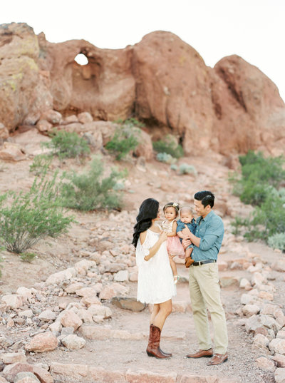 red rock family photographer in Utah Brushfire Photography