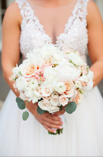 Blush traditional bouquet