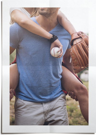 photo-baseball-couple-FOLD