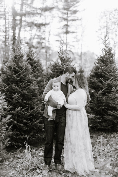 holiday-tree-farm-family-session-boston-family-photographer-photo-1