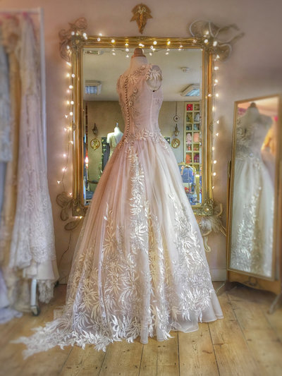 Eos_pale_dogwood_blush_embellished_wedding_dress_JoanneFlemingDesign (1)