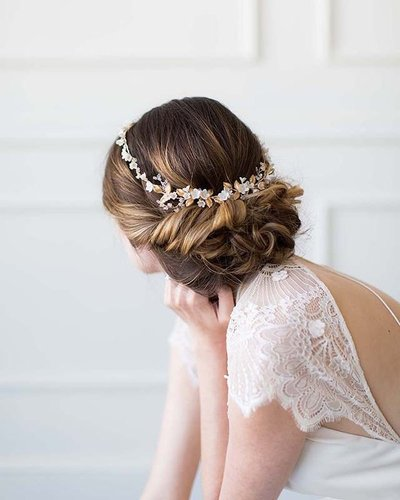 All About Romance is a small design studio based in Australia with a love for creating artful, decidedly feminine heirlooms. From couture veils to hair adornments, their pieces are meticulously handcrafted with the finest materials from the UK and Europe.
