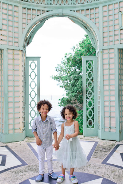 Vizcaya Gardens family photographer 0018