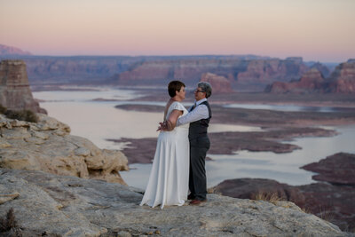 10.19.20 Elopement at Alstrom Point Vicky and Paige Photography by Terri Attridge-339