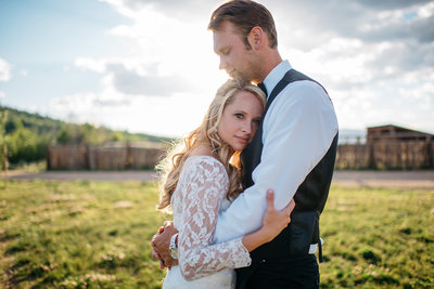 Strawberry-Creek-Ranch-Modern-Minimalist-Outdoor-wedding-in-Granby-Colorado-Hold-me