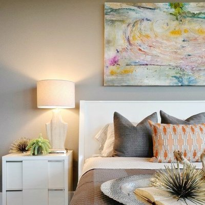 Maria Martin Art over bed Chelsea Kloss Interiors