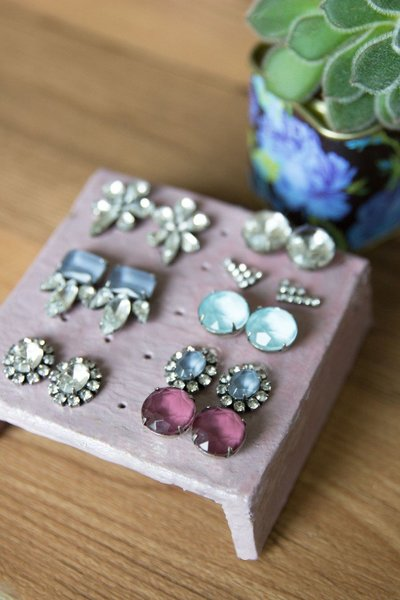 diy-earring-holder-for-studs-clay-thesarahjohnson-4-e1455556407452