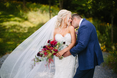 hayloftonthearch-hayloftonthearchwedding-vernoncenter-newyork-fallwedding-brideandgroom-bride-groom-barnwedding-firstlook