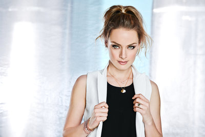 Rachel Skarsten (for SueTables)