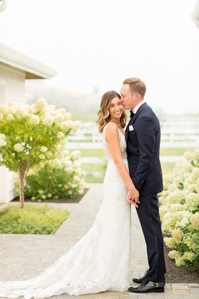 Colin & Terra | Harmony Meadows Wedding | Lake Chelan Wedding Photographer | Emily Moller Photography  (8 of 21)