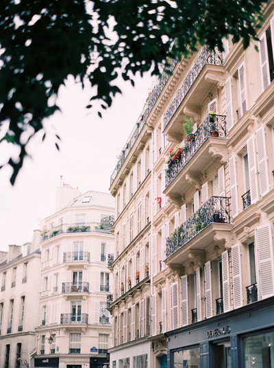 wedding_Le-Secret-d-Audrey-Paris-film-Photographer-Wedding-Elopement-1(213)
