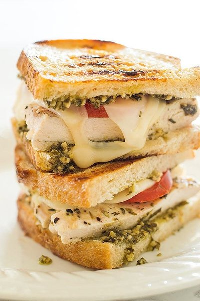 pesto-chicken-sandwiches-on-sourdough-image