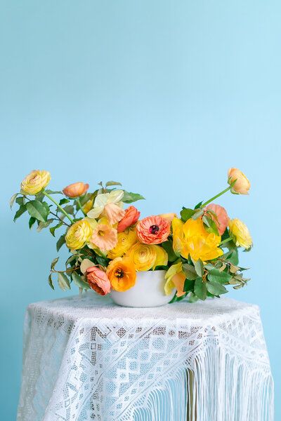 Colorful_Spring_Floral_Centerpiece-9