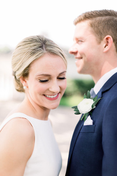 TiffaneyChildsPhotography-ChicagoWeddingPhotographer-Micheala+Tommy-ChicagoBotanicGardenWedding-BridalPortraits-24