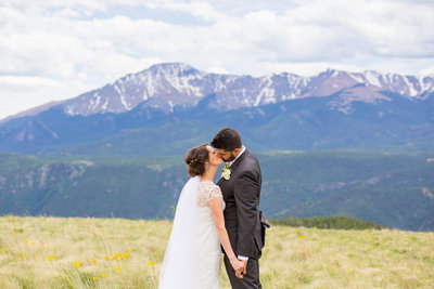 colorado springs epic mountain wedding