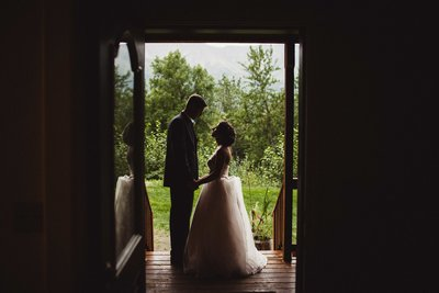 TheHousers-EagleRiver-BackyardWedding-©LaurenRoberts2016-31l