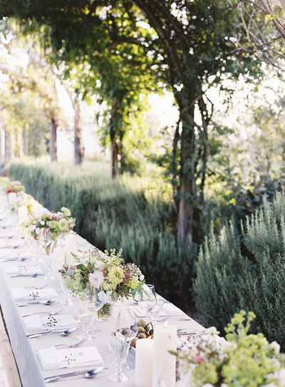 tuscany italy wedding photographer table laurie arons