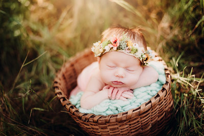 Newborn Photography, Outdoor Newborn Session, Sun-Kissed Newborn Session