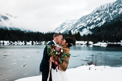 Gold Creek Pond PNW Winter Elopement Planner