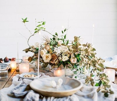 Melissa Broadwell of Vintage Florals follows a floral process that's both simple and inspired.  Her refined eye for color, movement, and composition results in placing each stem and bloom intentionally in a uniquely refined design.