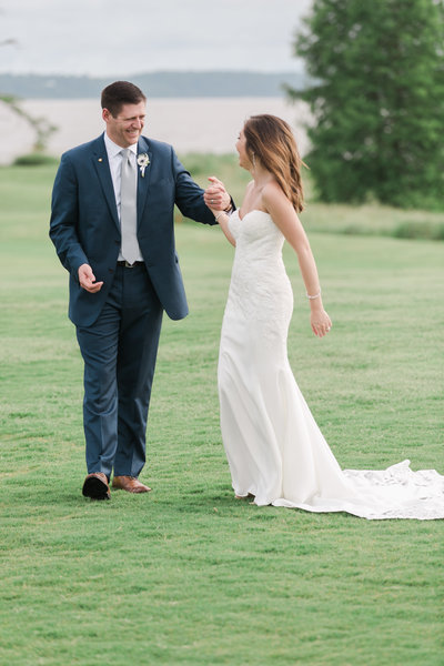 Two Rivers Elegant Country Club Wedding by Elizabeth Friske Photography | -444
