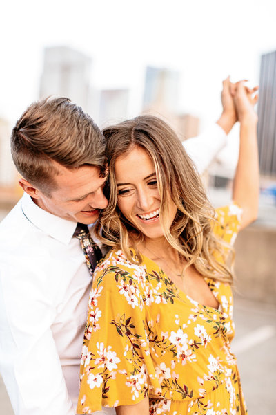 Alexa-Vossler-Photo_Dallas-Anniversary-Photographer_Kristen-Ethan-Anniversary-Session_Downtown-Dallas-1