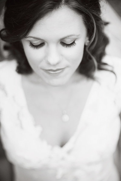 bridal_portrait_black_and_white_blue_ridge_aubrey