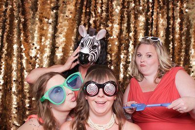 Astoria-or-wedding-photo-booth-rental