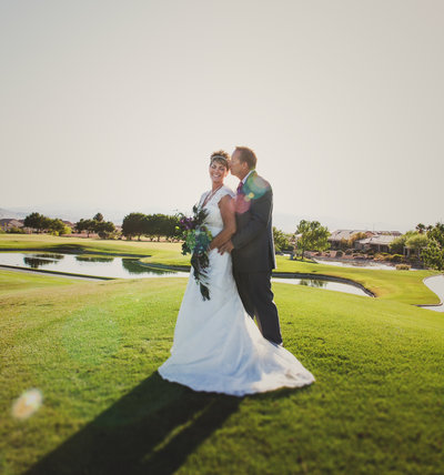 photo of oregon bride and groom in golf course  | Susie Moreno Photography