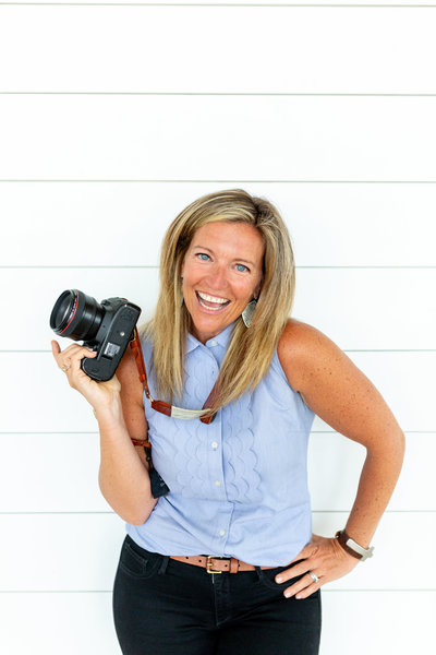 Headshot of Leighellen Landskov Photography of Arvada, CO