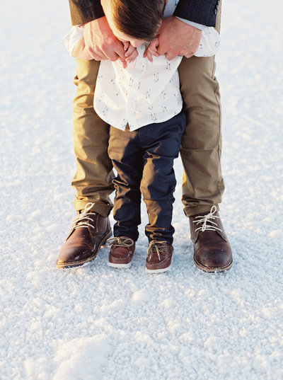family photos at the salt flats by brushfire photography