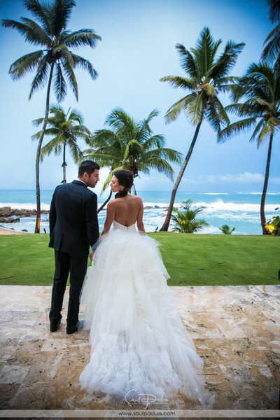 Destination wedding planner in puerto rico maria lugo puerto rico wedding ritz carlton reserve wedding 22 junglespirit Image collections