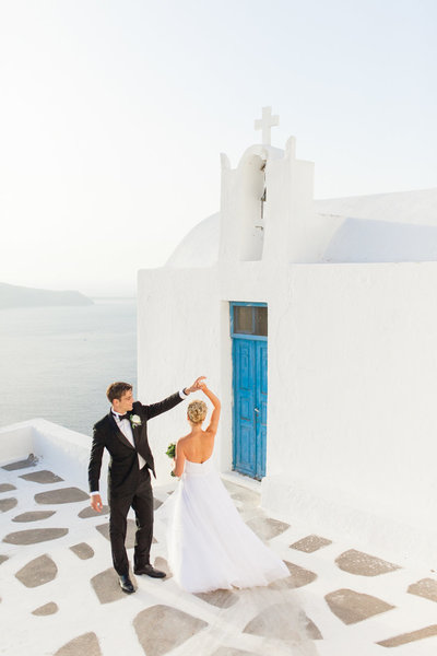 destination wedding photographer in santorini