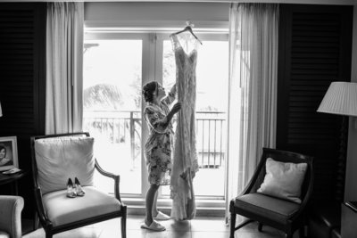 Vero_Beach_Hotel_Wedding_Bride_with_Gown