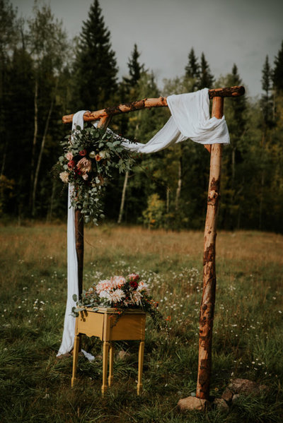 durango colorado wedding photographers, durango-colorado-wedding-photographer, outdoor-wedding-photographers, san-juan-national-forest, wedding alter inspiration, boho wedding, colorado boho elopement, durango wedding photographers, heirlooms durango, durango elopement photographers,