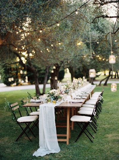 outdoor wedding in tuscany with brushfire photography